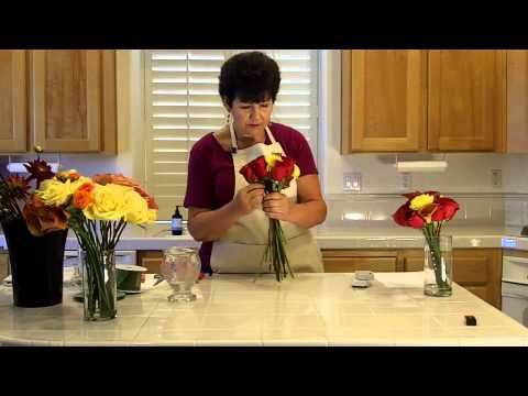 How to make a bouquet with roses, dahlias and mini calla lilies