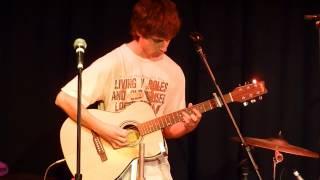 Joe Satriani - Cryin' (live during the Delgift gig, 2013)