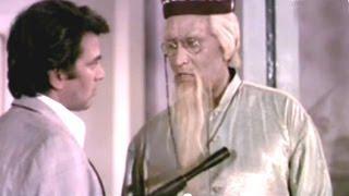 Dharmendra Reveles The Truth, Saazish - Action Scene 13/17
