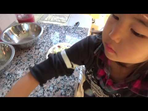 5 Year old Kid Makes a Margherita Pizza!