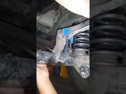 Jeep tj uper control arm bolt problem