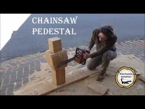 Woodworking : Chainsaw Kitchen Table Pedestal