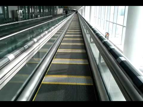 Express walkway in toronto airport. It is fast.