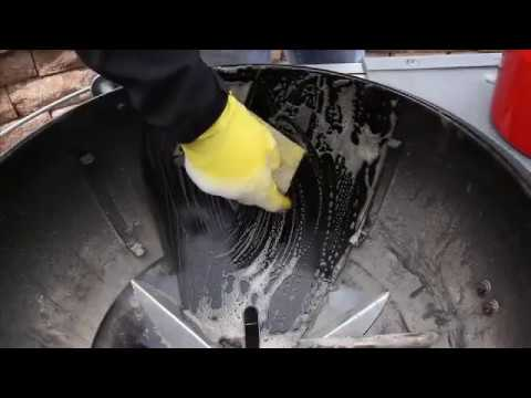 Weber Grills-Charcoal Grill Cleaning