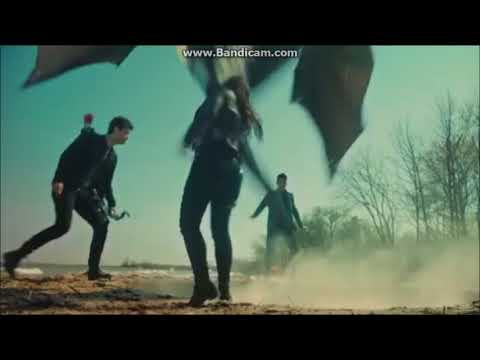 Shadowhunters 2x20 - Magnus, Alec And Izzy Stop Demons