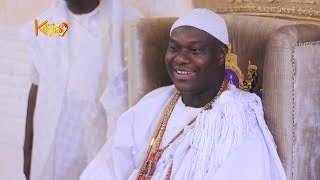 Ooni Of Ife and Student trade jokes, during dinner at palace  | KILARIGBO LIVE
