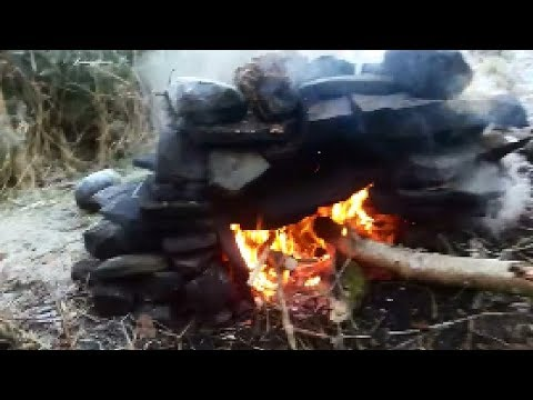 Building a stone oven Part 3 - Making a pizza