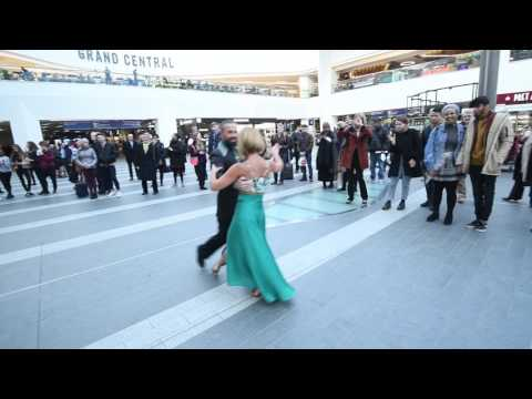 Dancing In New Street...Dance Sampled Tea Time Takeover