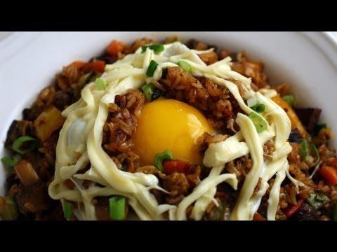Fried Rice (Bokkeumbap: 볶음밥)