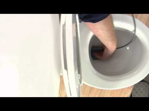A Toilet That Won't Flush & a Sewer Smell Inside the Home : Toilet Repair