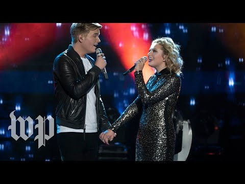 The final two 'American Idol' contestants are dating