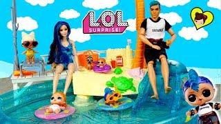 La Familia LOL Aventuras en la Piscina de Barbie - Familia Punk Boi & Vacay Baby!