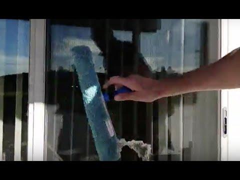 How to wash a screen door