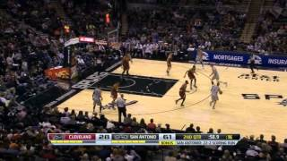Matt Bonner runs the point - funny