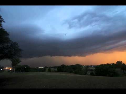 Storm coming 1 desktop