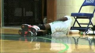 Nate Robinson Runs In Shaq S Giant Shoes Funny