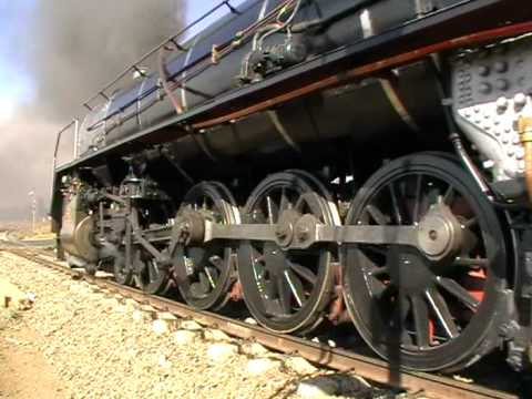 South African Railways 15CA 2056 starts away from Magalies 30-08-08.MOD