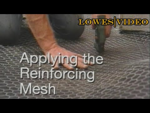 How to Lay Tile Floors With a Wire Mesh