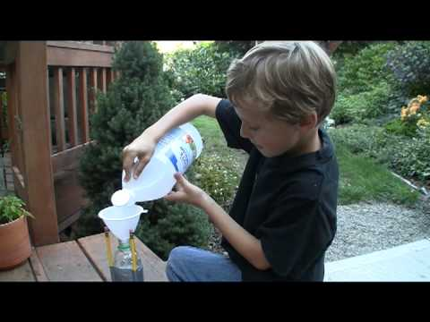 Vinegar and Baking Soda Rocket. Easy design!