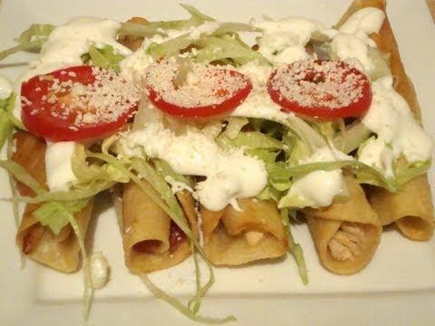 Receta de los tacos dorados de pollo o flautas - La receta de la abuelita