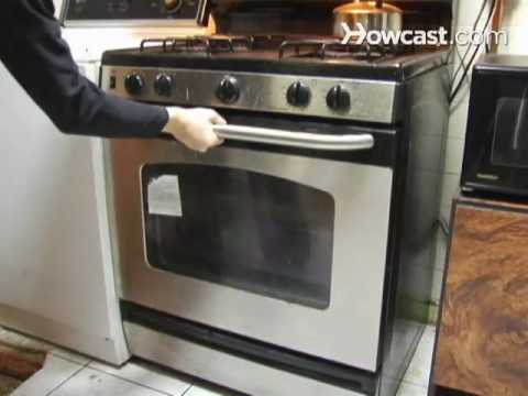How to Clean a Conventional Oven with Store Brought Cleaner