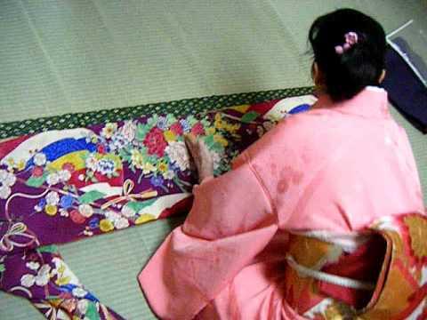 Camellia Teas Kimono Dressing: folding chufurisode