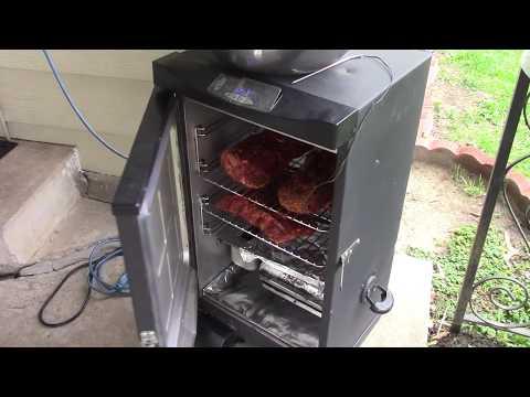 Smoking ribs and pork butts
