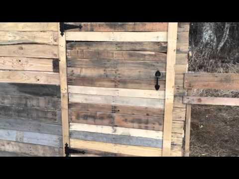 Pallet chicken coop 2