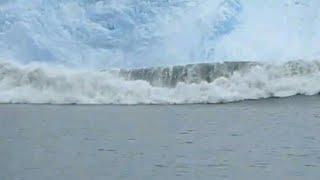 Alaska Glacier calving event, create huge wave like TSUNAMI | glacier national park 2k17 | shockwave