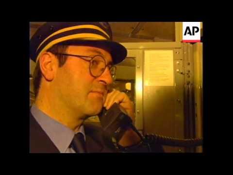 UK/FRANCE: EUROSTAR TRAIN SERVICE RE STARTS THROUGH CHANNEL TUNNEL