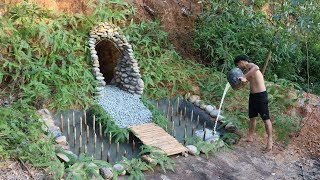 Unbelievable! Build The Underground Stone Cave In The Cliff To Avoid Wildlife