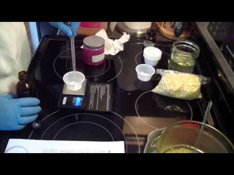 Making Menthol Lip Balm with Recipe