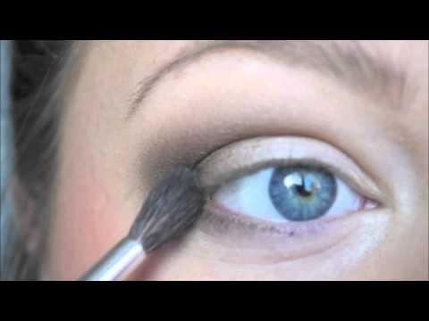 Tutorial - Brown smokey eye for blue eyes closeup!