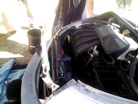 how to change 2001 Pt cruiser radiator fan part 2