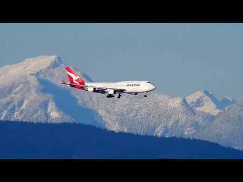 Qantas 747-400 Landing at YVR Vancouver: Nikon Coolpix P900