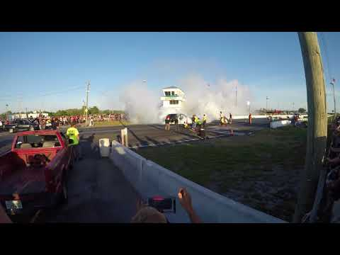 Burn Out Contest - Cleetus and Cars Spring 2018