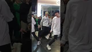 [20200125 W.I.T 홍대버스킹] 방탄소년단(BTS) - IDOL Z직캠 fancam
