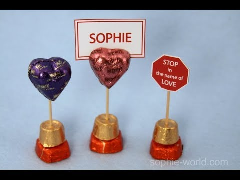 How to Make a Place Card Holder out of Candy for Valentine's Day | Sophie's World