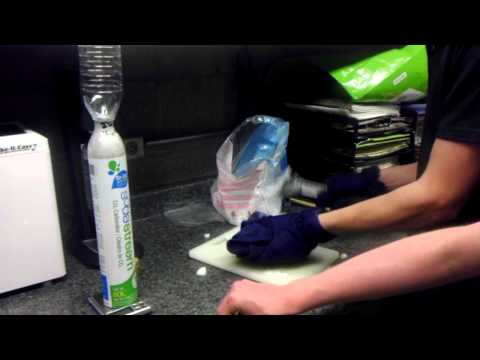 Refilling SodaStream Co2 Tanks for $1 At Home using Dry Ice