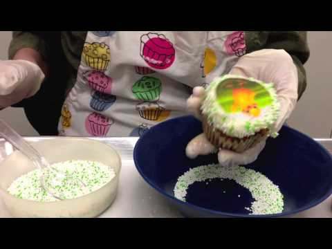 YouCake: How to make amazing cupcakes with edible images/ toppers