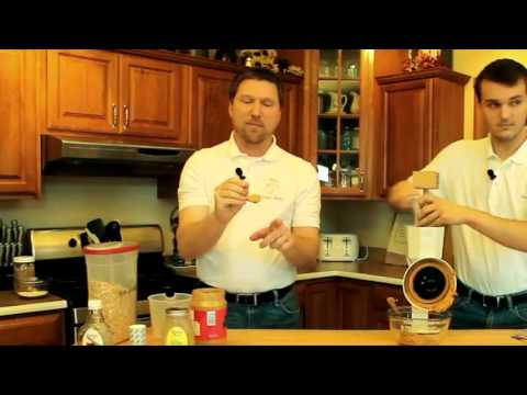 How to Make Homemade Peanut Butter the Right Way!