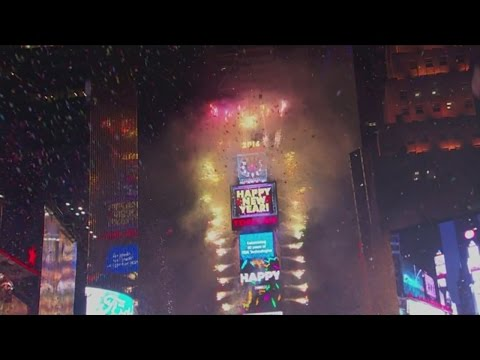 Fireworks and kisses in Time Square for New Year