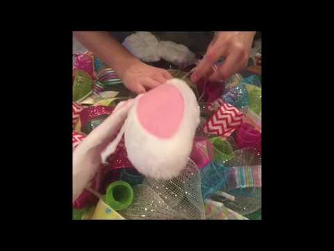 Simple Easter Wreath, DIY Easter Wreath Tutorial, Easter Wreath, Holiday Wreath, Deco Mesh Wreath