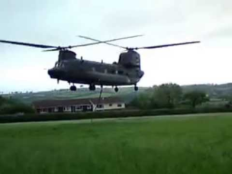 RAF Chinook recovering a ARMY Lynx