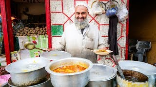 Street Food in Gilgit + PAKISTANI VILLAGE FOOD   Ultra Happiness in Gilgit-Baltistan, Pakistan!