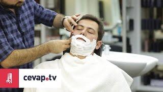 Sakal tıraşı olmak için öncelikle sakalı köpükle yumuşatmak gerekir. Köpük hijyen açısından sakal tıraşı için en uygun üründür. Köpüğü sıcak suyla hafif seyreltilip sakala sürülür. Çok sert sakallarda köpüğü sürdükten sonra bir dakika kadar beklemek sakalı iyice yumuşatır. Tıraş olurken jiletin sakalın çıkış yönüne doğru kaydırmak gerekir.