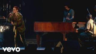 Eurythmics - Sisters Are Doin