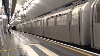 London Underground - Aldwych 1972 Tube Stock departing Holborn