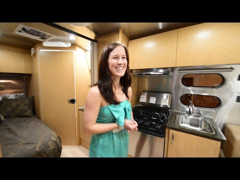 Full Tour & Review ~2015  Airstream Flying Cloud 19