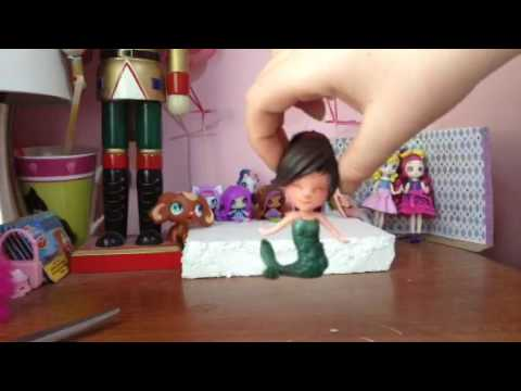 Reviewing a model doll for drawing